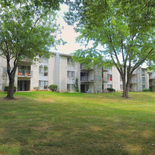 Shadow Hills Apartments: Cavalier Country Club Apartments